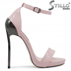 Розови абитуриентски сандали на висок ток – 36537