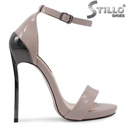 Абитуриентски сандали на висок ток в капучино – 36538
