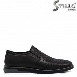 Перфорирани мъжки обувки от естествена кожа – 36550