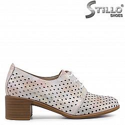 Перфорирани обувки с връзки от естествена кожа на ток – 36582