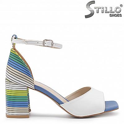 Ефектни сандали мултиколор на ток  – 36583