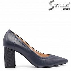 Класически сини обувки от естествена кожа на ток – 36612