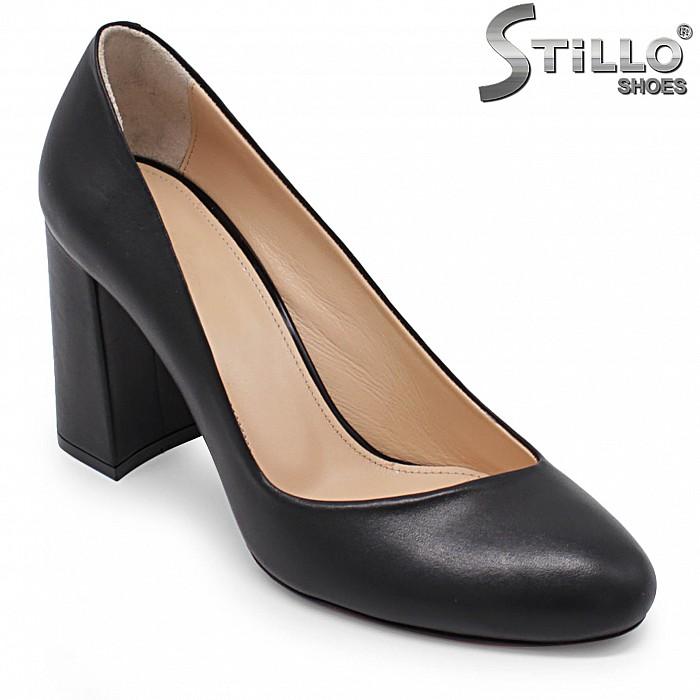 Класически дамски обувки  на ток - 36654