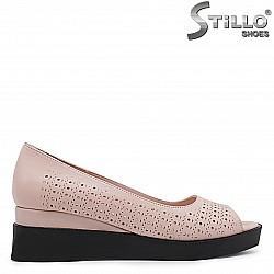 Летни  обувки с отворени пръсти на платформа - 36655