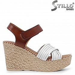 Испански кожени сандали на платформа - 36688
