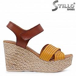 Дамски сандали на платформа от естествена кожа – 36693