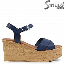 Сини сандали на коркова платформа от естествена кожа – 36704