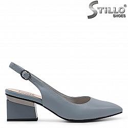 Летни обувки с отворена пета - 36707