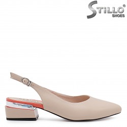 Розови сандали със затворени пръсти - 36732