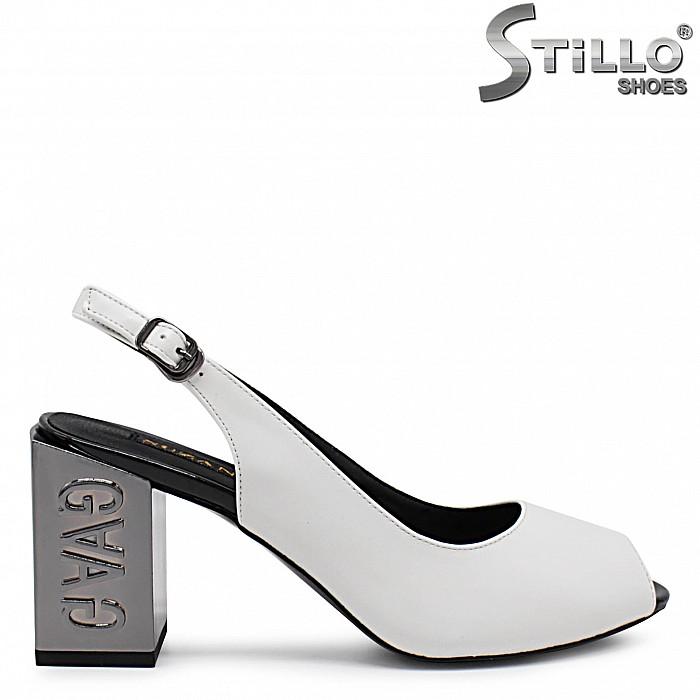 Елегантни сандали на дебел ток - 36791