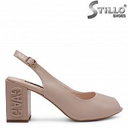 Дамски сандали на дебел ток - 36790