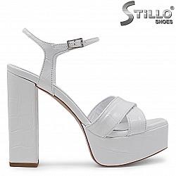 Бели сандали на ток и платформа от естествена кожа  – 36794