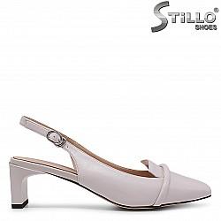 Дамски обувки на среден ток без пета – 36804