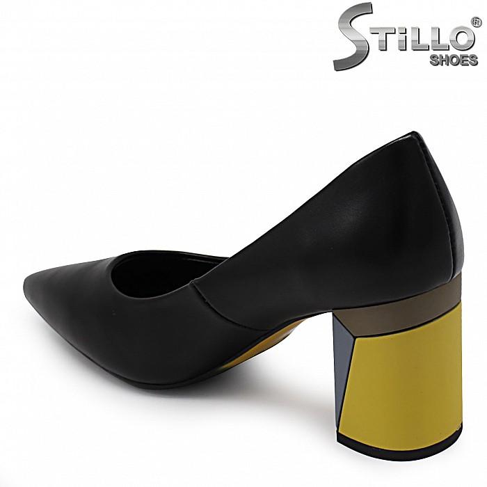 Стилни дамски обувки с жълт ток – 36818