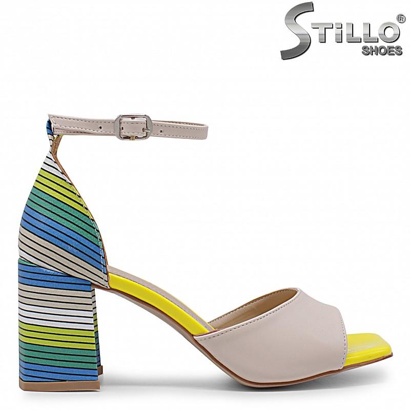 Дамски сандали с цветен ток – 36870