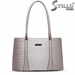 Дамска чанта с кроко принт – 36900