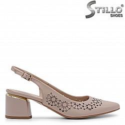 Летни обувки от естествена кожа с перфорация – 36903