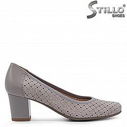 Сиви обувки от естествена кожа с перфорация – 36908