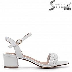 Бели дамски сандали на ток с плетка  - 36950