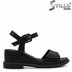 Дамски сандали на клин ток с камъчета – 36967