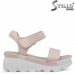 Розови сандали на платформа – 36968