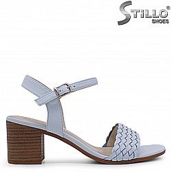 Дамски сини сандали от естествена кожа на ток – 36975