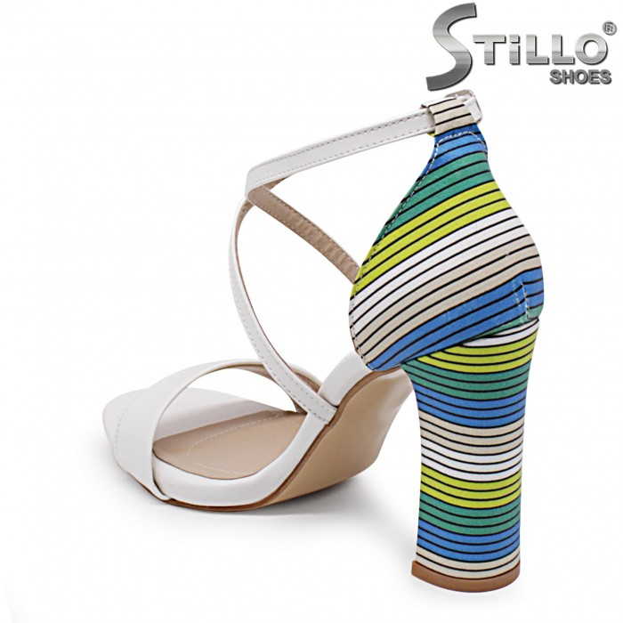 Дамски сандали с мултиколор ток и пета – 36978
