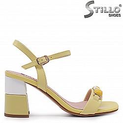 Жълти сандали от естествена кожа с декорация – 36991