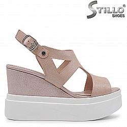 33, 34 Размери -  Розови сандали на платформа -  37015