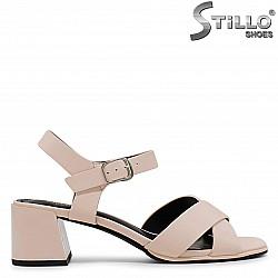 Бежови дамски сандали със среден ток – 37044