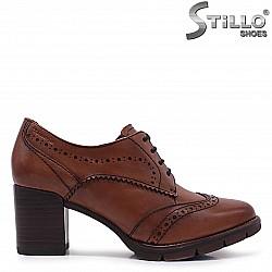 Кафяви обувки TAMARIS с връзки на ток – 37094