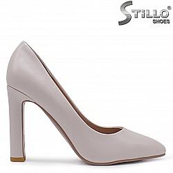 Малки номера – Бежови дамски обувки на висок ток – 37095