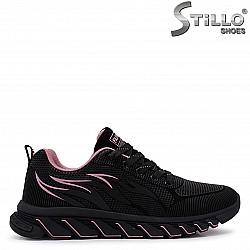 Дамски маратонки с розови акценти – 37103
