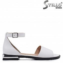 Бели дамски сандали от естествена кожа – 37116