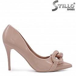 Елегантни обувки в бежово – 37128