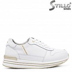 Дамски спортни обувки на платформа - 37155