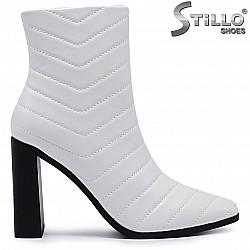 Бели дамски боти на висок ток - 37190