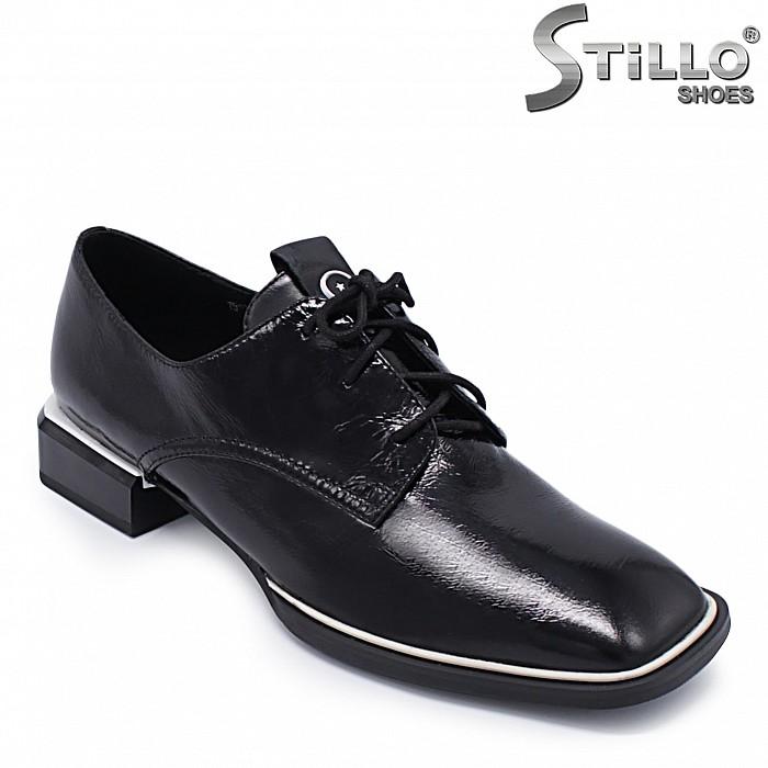 Дамски обувки с връзки от естествена кожа – 37198
