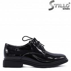 Ежедневни лачени обувки с връзки – 37206