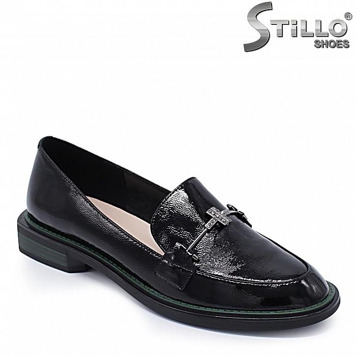 Елегантни дамски обувки от естествен лак  - 37212