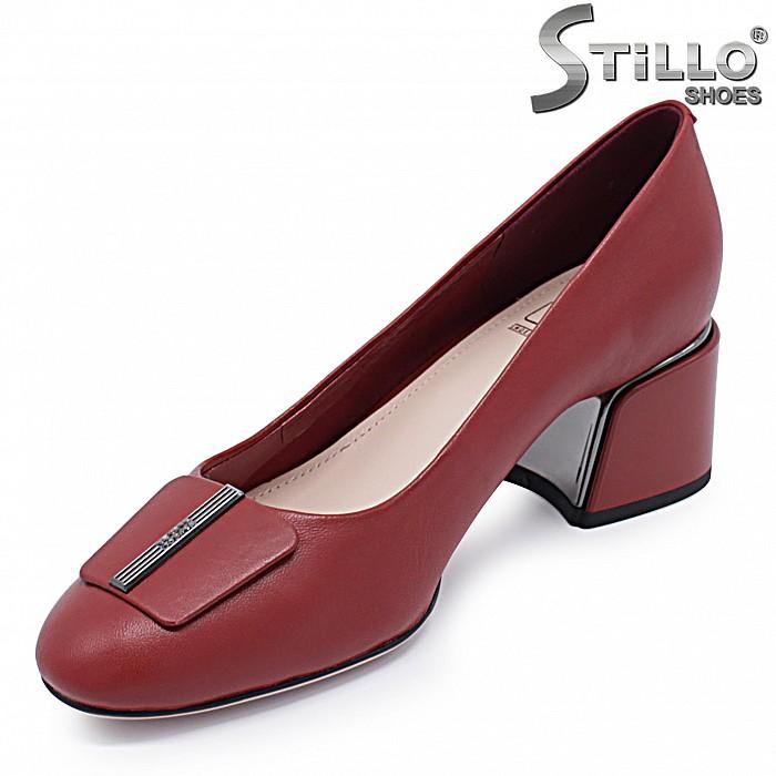 Дамски офис обувки в червено на ток – 37213