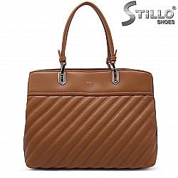 Дамска чанта в цвят коняк – 37240