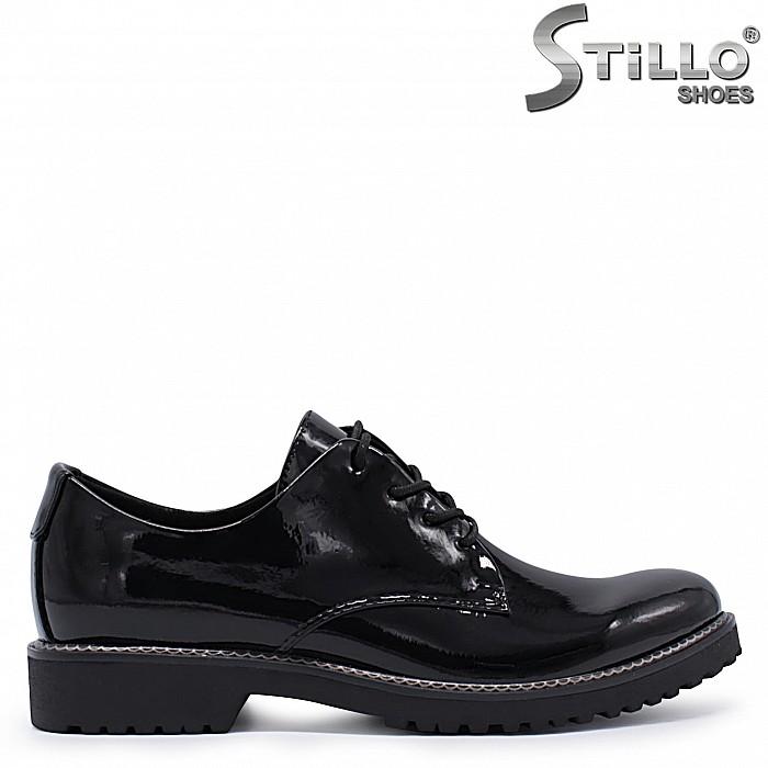 Есенни обувки MARCO TOZZI на нисък ток от лак – 37304