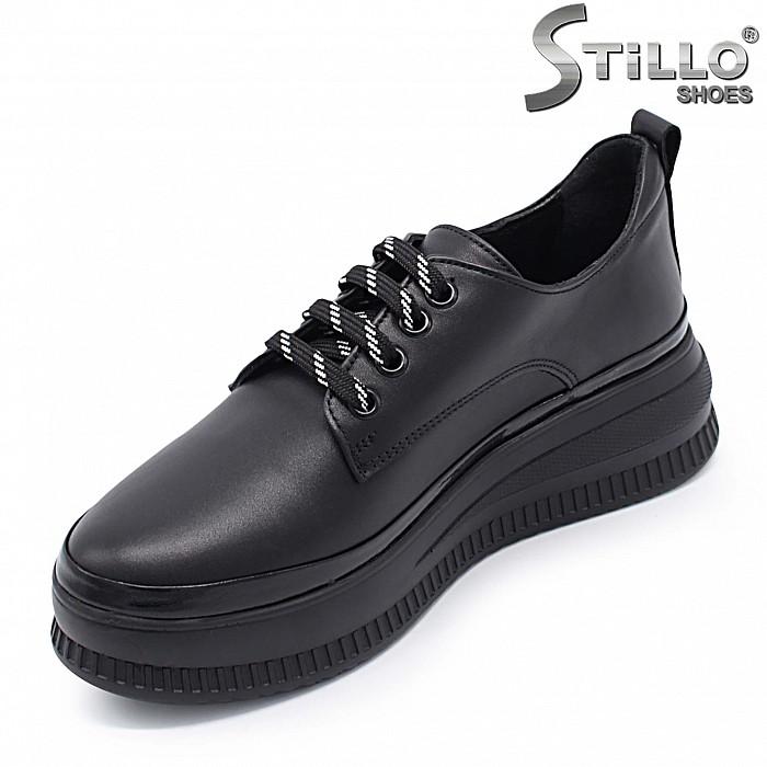 Равни дамски обувки от естествена кожа – 37410