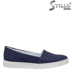 26038 - Дамски обувки от естествен син велур и бяла подметка