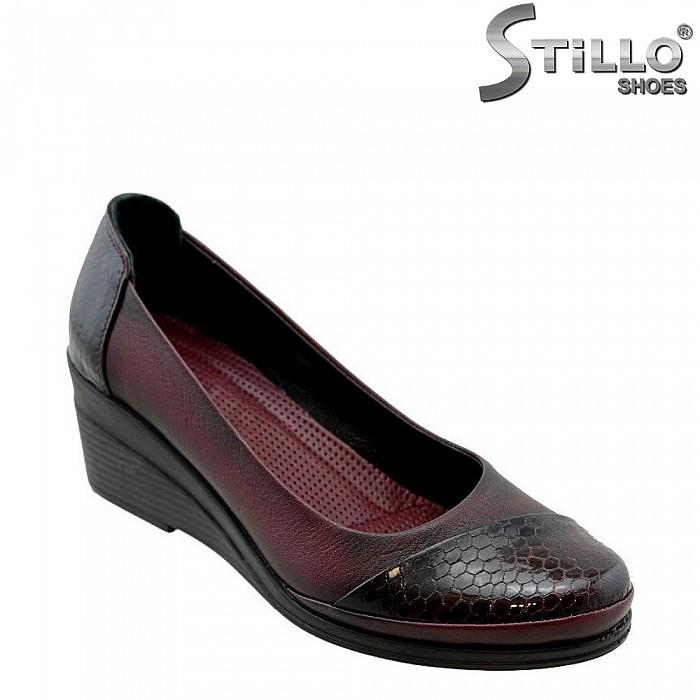 Дамски обувки в тъмно бордо - 27190