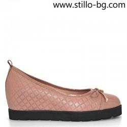 Дамски розови обувки с вътрешна платформа - 28315