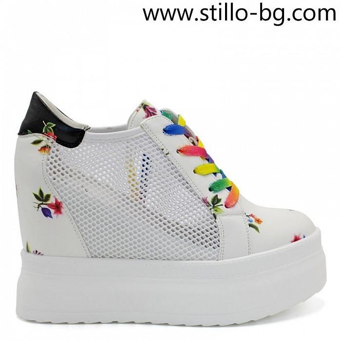 02de2956b77 Stillo магазини за обувки, Бели дамски кецове на платформа ...