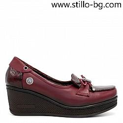 Дамски обувки от бордо кожа и лак на платформа - 27246-малки номера от №34