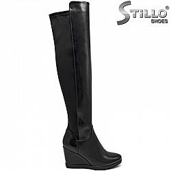 Черни дамски чизми на платформа  - 27744